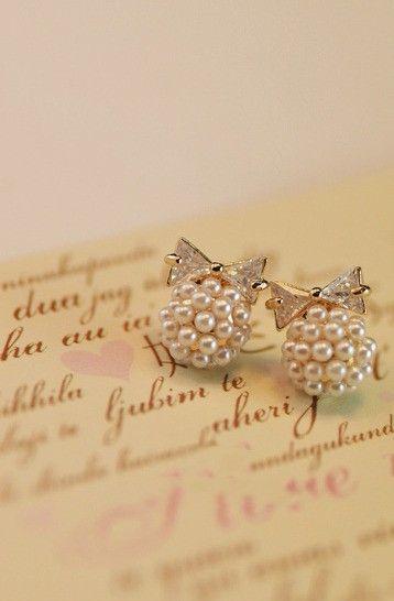 Noirlu | Zicron Bow Pearl Ball Stud Earrings #pearl #earring  http://www.loveitsomuch.com/