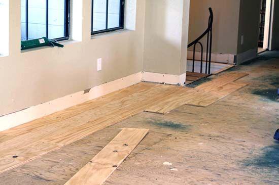 Diy Cheap Farmhouse Plywood Flooring For A Little Over 100 In 7 Easy Steps Cheap Flooring Diy Wood Floors Plywood Flooring