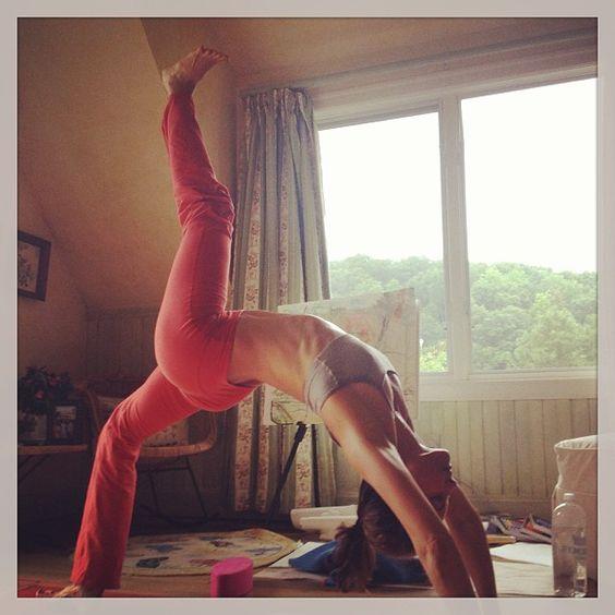 ashley judd yoga | working out | Pinterest | Yoga ...