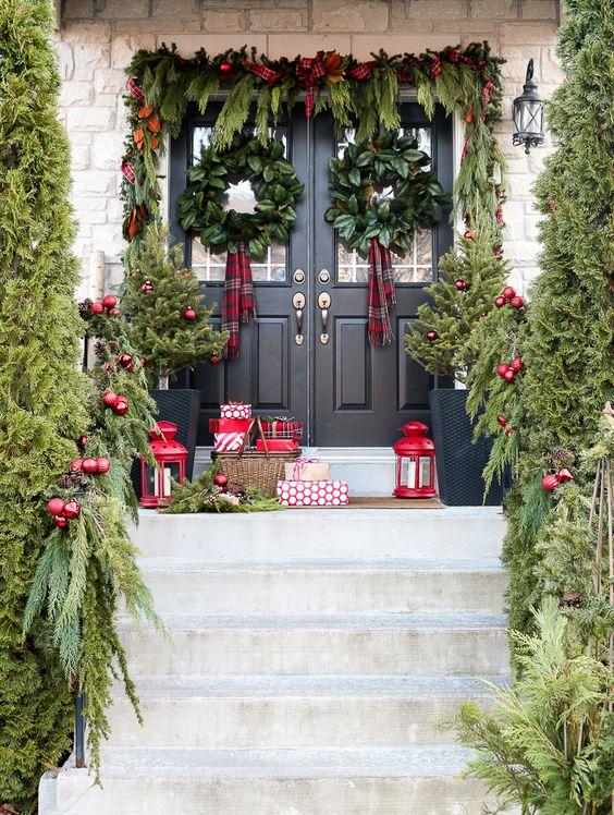 Best Beautiful Front Door Christmas Decorations {Part 1