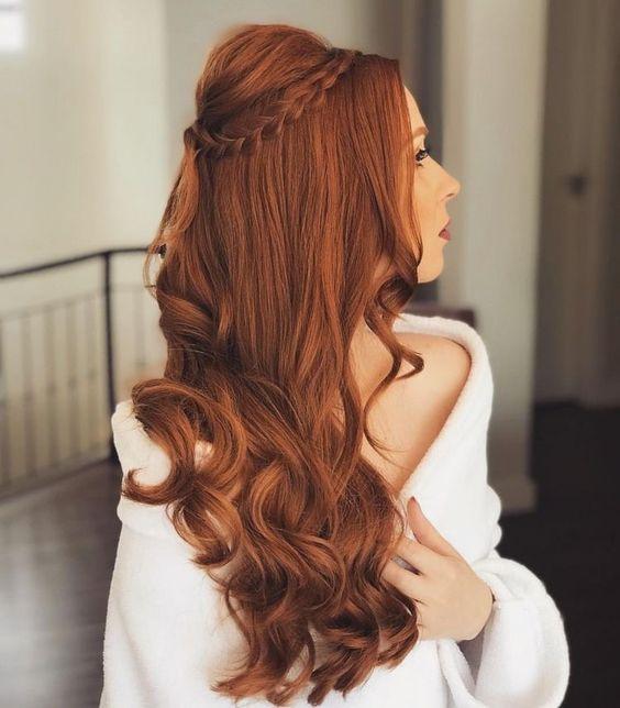 penteados para madrinha meio preso belo