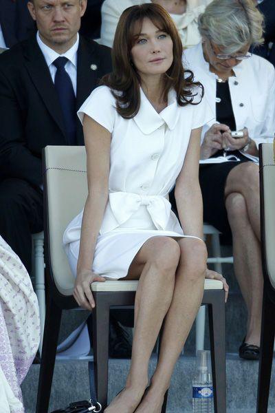 Carla Bruni-Sarkozy assiste au défilé du 14 juillet à Paris en 2009