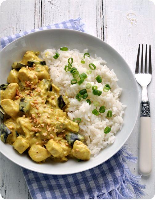 Curry d'aubergines et poulet au lait de coco - Pich à la fraise