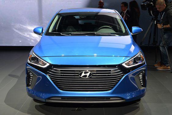 Hyundai Promises a 250-mile EV for 2020