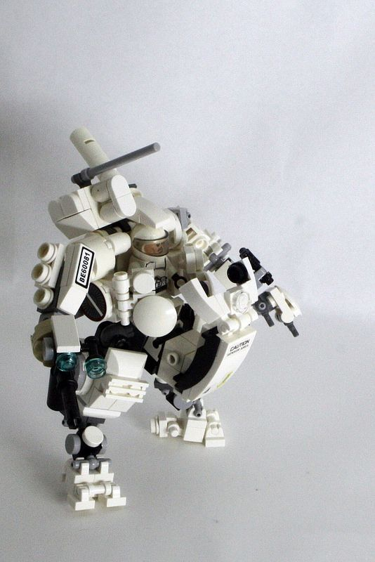 LEGO MECHANIC   by smarket