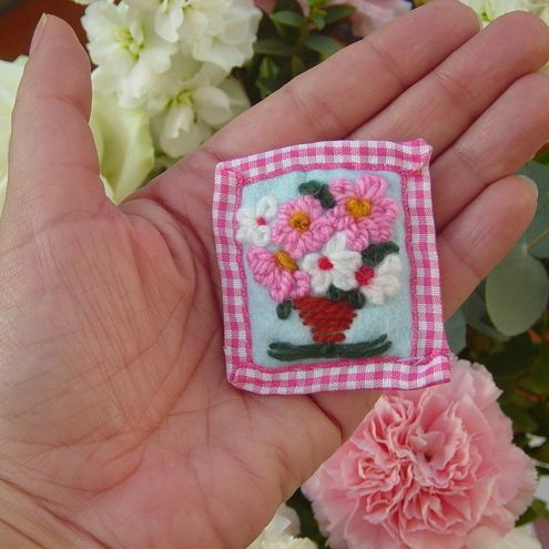 Embroidered Flower Vase Brooch with Gingham Ribbon Trim.