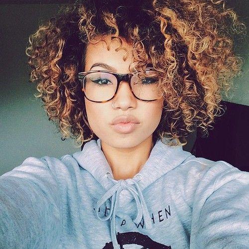 girl glasses curls tumblr - Pesquisa Google