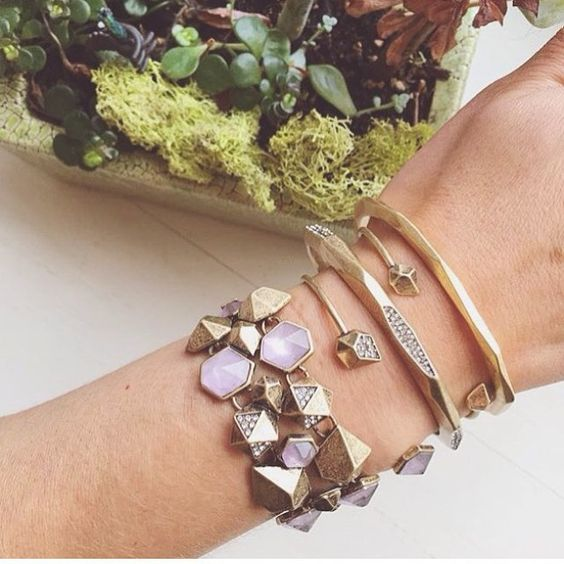 #chloeandisabel #wristwednesday #shop #youdeserveit #buytoday #loveit tag someone who would love to have this! Would you buy it?