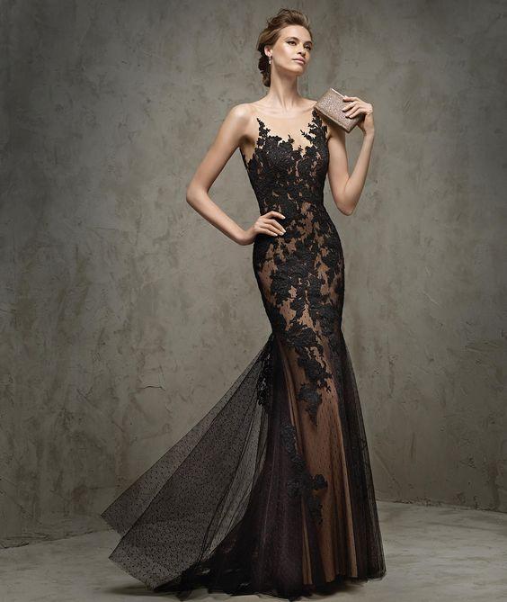 Fausta -  Vestido de festa em renda, decote em coração: