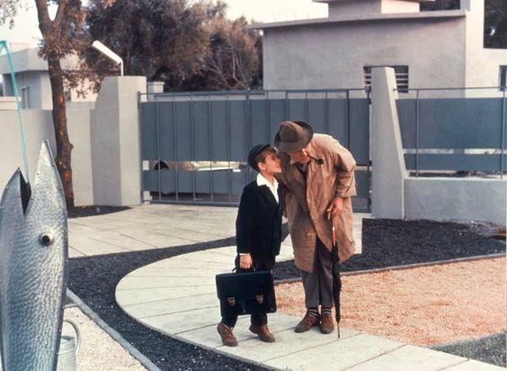 人生なんて遊びの時間(プレイタイム)。- ジャック・タチ映画祭 http://bit.ly/1emamo4(〜5月9日(金) シアター・イメージフォーラム ※全国順次公開)