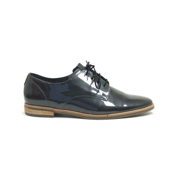 Nieuwe schoenen aan het kopen bij Shoehoo.nl