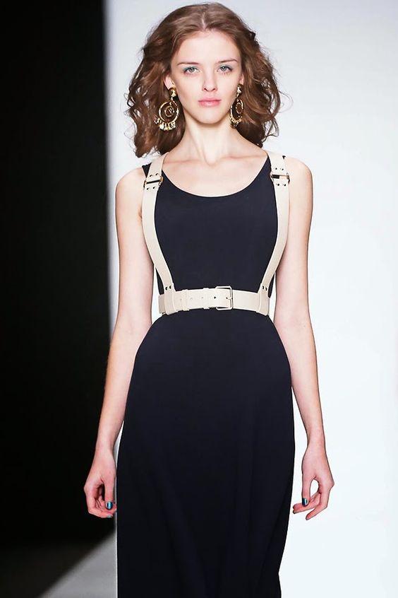 FRAME harness belt by DA'MU selected @damuaccessories #портупея Dress by MARI AXEL