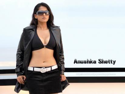 Anushka Shetty hot Bikini without Dress photos   wallpaper1.net ...