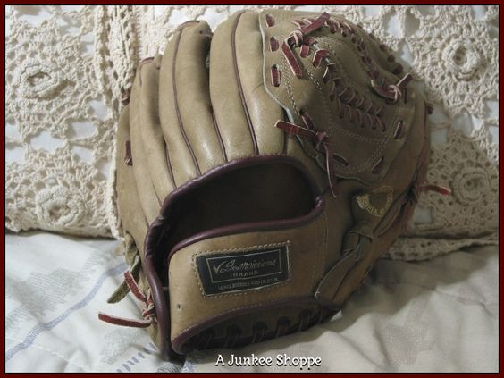 SEARS Ted Williams Brand Pro Style Baseball Glove Used  IMG 4124 - P733  http://ajunkeeshoppe.blogspot.com/