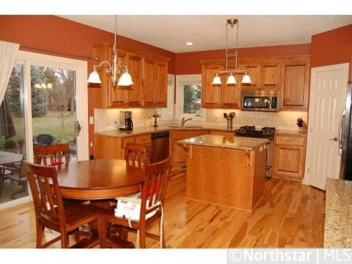 Kitchen flooring with oak cabinets derrick built custom for Oak kitchen units for sale