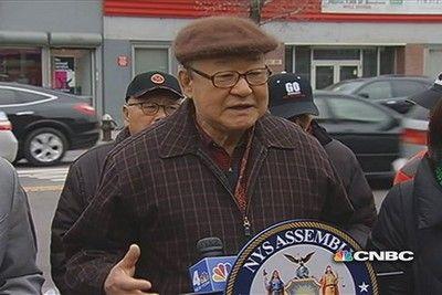 McDonald's resolves standoff with lingering elderly