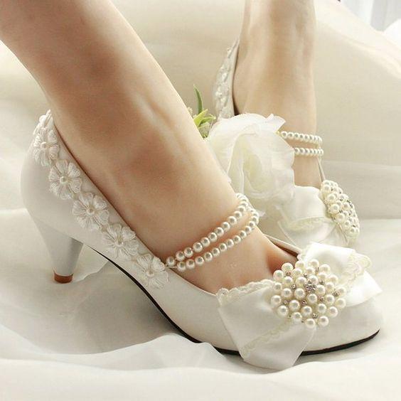 Getmorebeauty Women's Pearls Lace Weave Flower Kitten Heel Wedding Shoes 9 B(M) US
