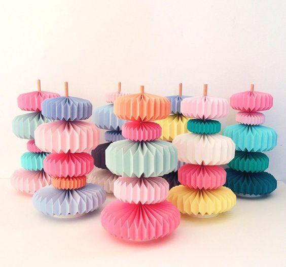 Brochette Origami Sweet Pastel 2. Objet de décoration pour chambre, salon ou bureau