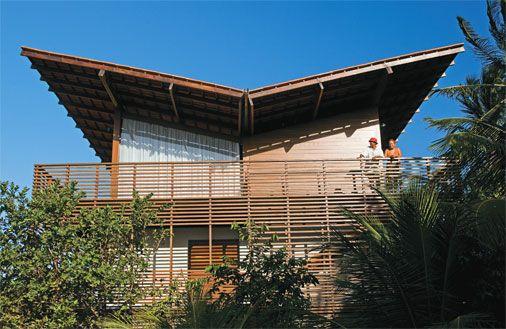 Casa de praia reaproveita a estrutura de um antigo sobrado - Casa