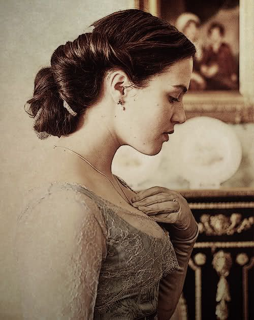 Sybil Crawley my favorite :,,(
