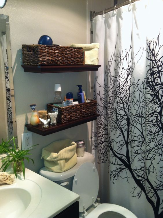 Organization ideas for a small bathroom with very little for Small bathroom hamper ideas