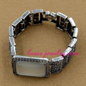 Classic alloy watch chain with gemstone decoration