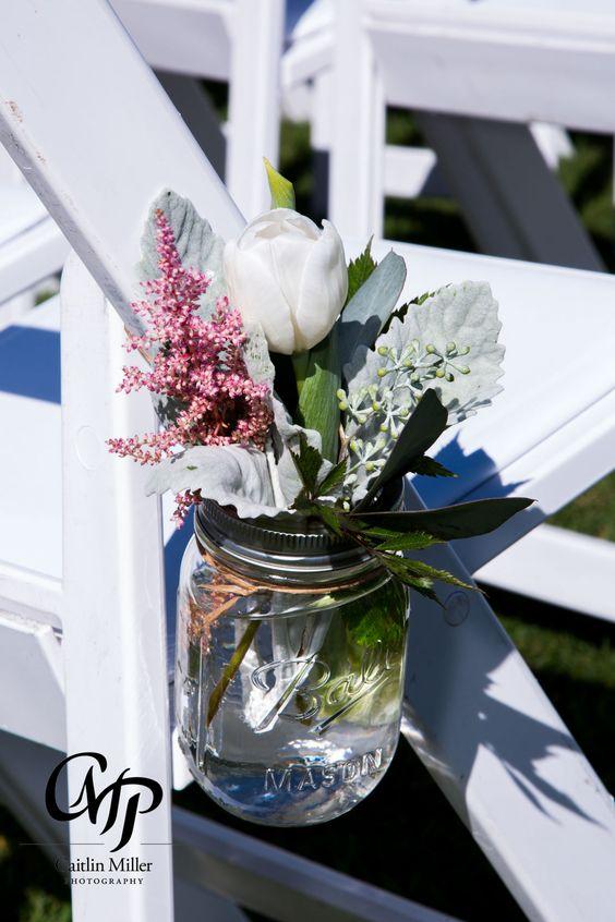 #masonjars #hangingmasonjars #weddingflowers #weddingdecor #ceremonydecorations #flowers #tulips #nectarcustomfloraldesigns