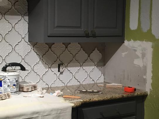 Ivy Hill Tile Vintage Lantern White 6 1 4 In X 7 1 4 In X 10 Mm Ceramic Wall Mosaic Tile 30 Piece 4 8 Sq Ft Box Ext3rd104642 The Home Depot Vintage Lanterns Kitchen Tiles Backsplash Wood Countertops