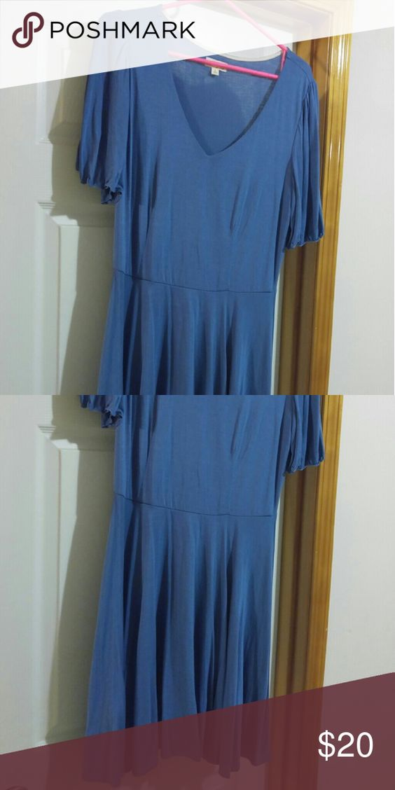Blue dress, Maison Jules It's very swingy, great flowy short sleeves and flowy skirt. Dresses