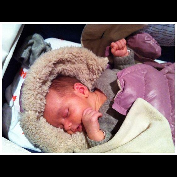 Sleeping beauty #7amenfant #doudoune #pink #instababy