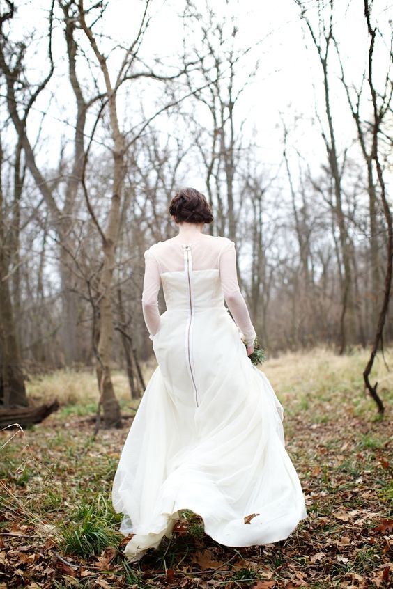 gorgeous sheer sleeved wedding dress with a zipper at the back (+ gorgeous shoot!