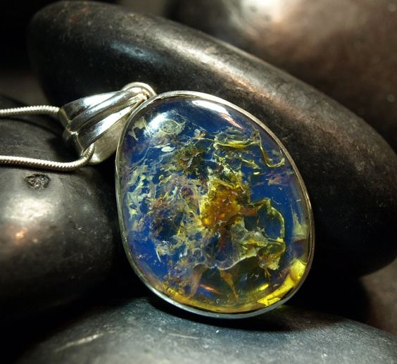Dominican Blue Clear Amber Big Oval Pendant Neckleace Sterling Silver 925 authentic purple Caribbean fossilized 9g 45ct OOAK rare - pinned by pin4etsy.com