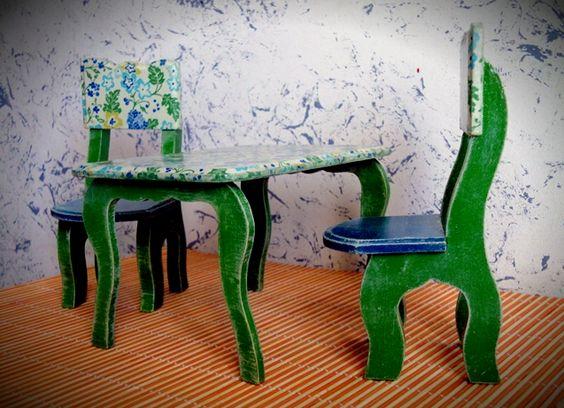 Juego infantil de mesa y dos sillas :)