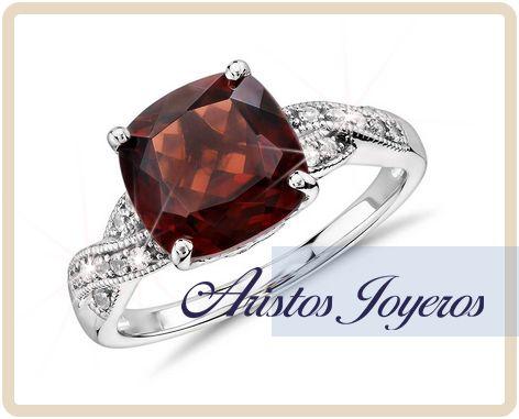 Linea para este mes en diseños de diamantes y piedra granate para anillos de compromiso !!  www.aristos-joyeros.com