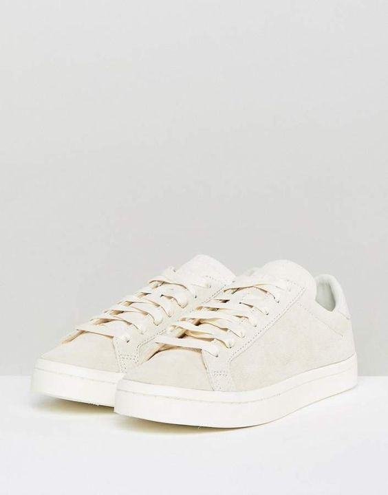 adidas Originals Court Vantage Sneakers In Off White | SHOES