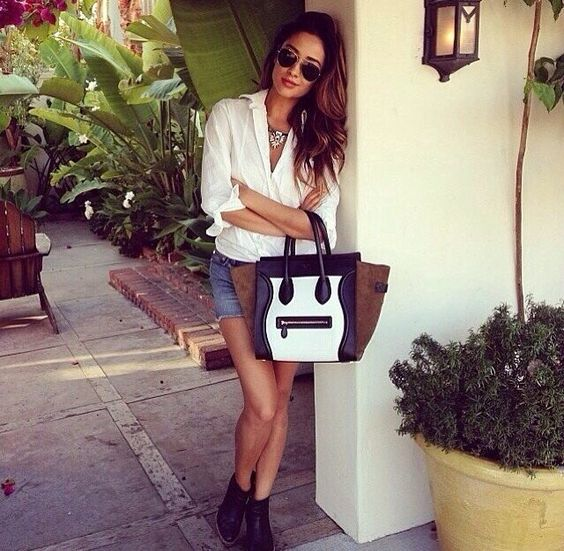 Love this Céline bag ! (And pretty little liars of course)