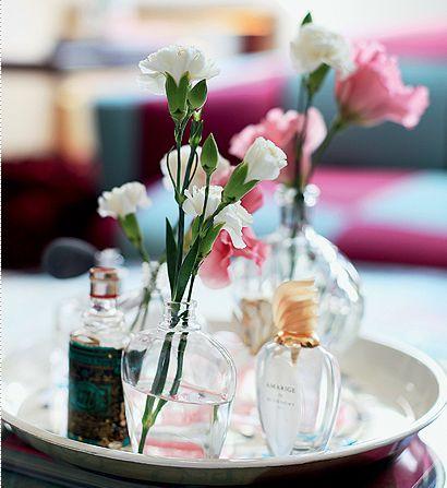 Detalhes: frascos que viram vaso ou decor