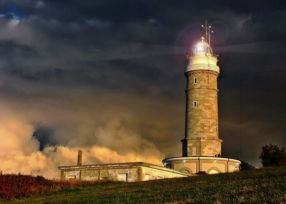 El Faro / The Lighthouse by Juan Carlos Balbas, via 500px