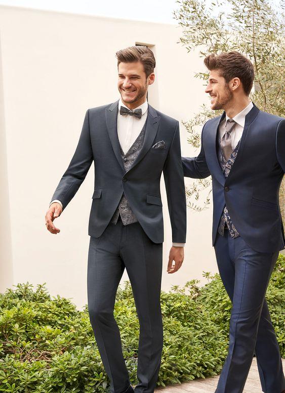 GRAU ist im Bereich Hochzeitsanzug eine der absolouten Trendfarben und passt farblich zu allen Brautkleidern in Creme oder Weiß! Sein Trauzeuge trägt ebenfalls WILVORST After Six - Look 4.   Ab 15.10 im Fachhandel.   #wilvorst #weddingguide #hochzeitsanzug #weddingsuit #hochzeit #wedding #bräutigam #groom #bräutigammode #Herrenmode #weddinginspiration #hochzeitsmode #heiraten #mariage #weddingtime #hochzeitsliebe #festlicheherrenmode #hochzeit2020 #Bräutigam2020 #trauzeuge #trauzeugenanzug