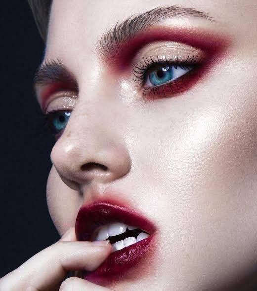 Pin de Lizy Guerrero en makeup fantasia | Maquillaje editorial, Maquillaje  de ojos loco, Maquillaje de ojos artistico