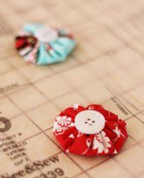 Yo Yo Pattern Weights. So quick and simple to make. Great scrapbuster project. #sewing