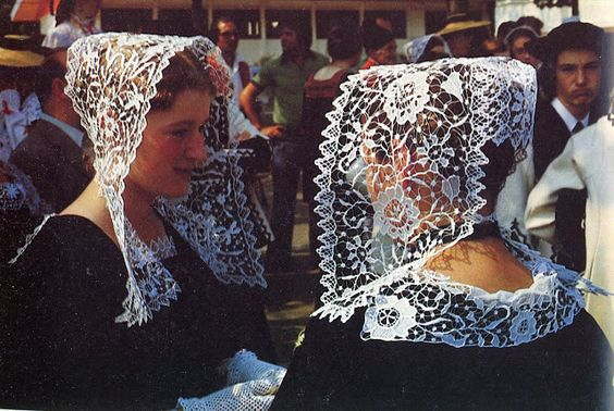 FolkCostume&Embroidery: Overview of the Costumes and Embroidery of Breizh, Brittany or Bretagne
