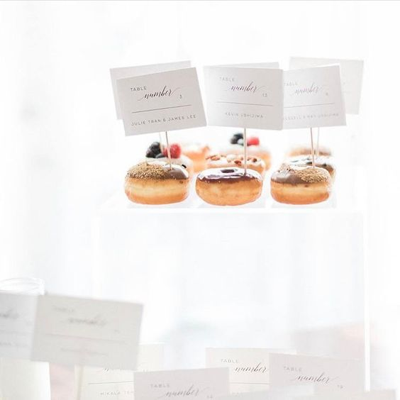 Donut escort cards: