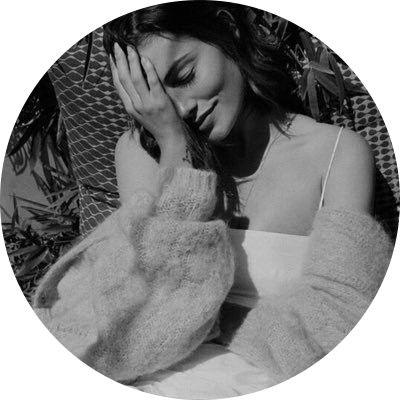للبروفايل افتارات Profile Pictures Instagram Girly Pictures Portrait Photography Poses