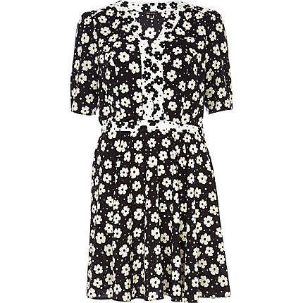 Black floral print contrast trim tea dress $70.00