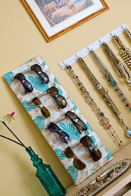 I don't think I will ever own that many sunglasses, but maybe I can apply this idea somewhere else.