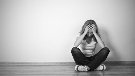 Depression bei Jugendlichen wird oft als Laune der Pubertät missverstanden. Was hilft: ein starkes Ich. Und Yoga...