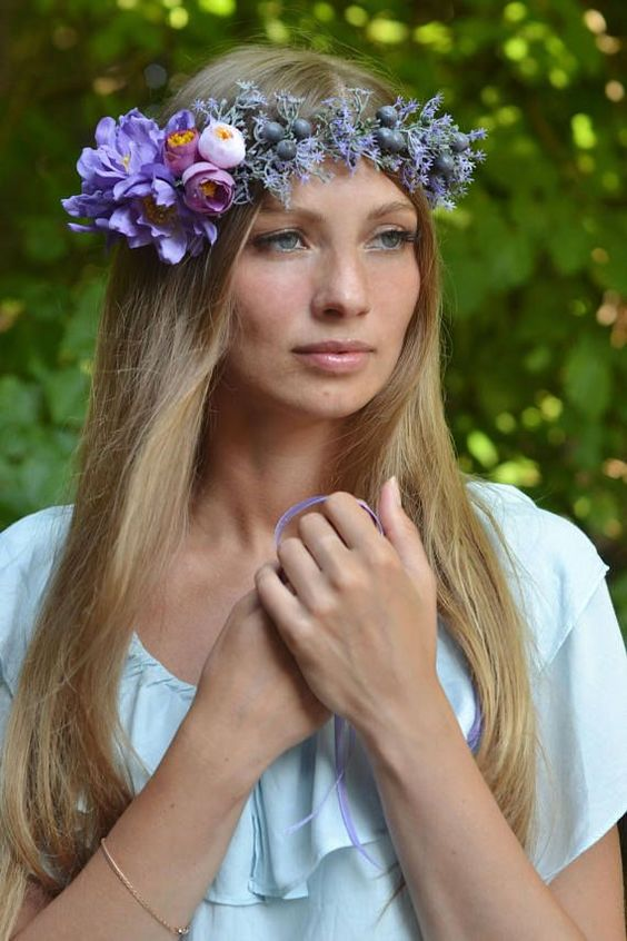 Floral crown Purple wedding halo berries crown woodland head wreath Lilac bridal hair wreath Boho bride halo tie back Ready to ship (1-3 days)   This headpiece for your wedding day, photo shoots or any special occasion you can imagine. Perfect for a Rustic, Woodland , Boho wedding image Wreaths size is controlled by the satin ribbon. Each element is woven into the wreath with floral tape.  materials:  - fabric flowers - berries - satin ribbon - wire frame - floral tape - love Thank you for vi...