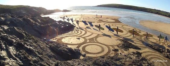 Sand art by Tony Plant