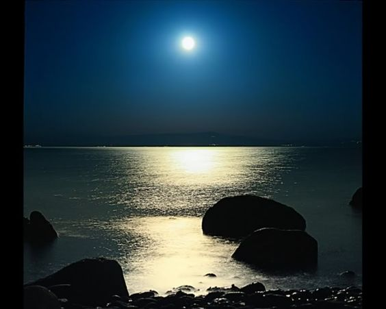 beach moonlight, poetic without words